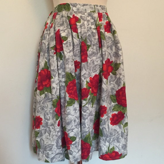 "1950s skirt vintage rose print full skirt white grey red rosebud knee length flared 30"" waist box pleated cotton pin up rockabilly"
