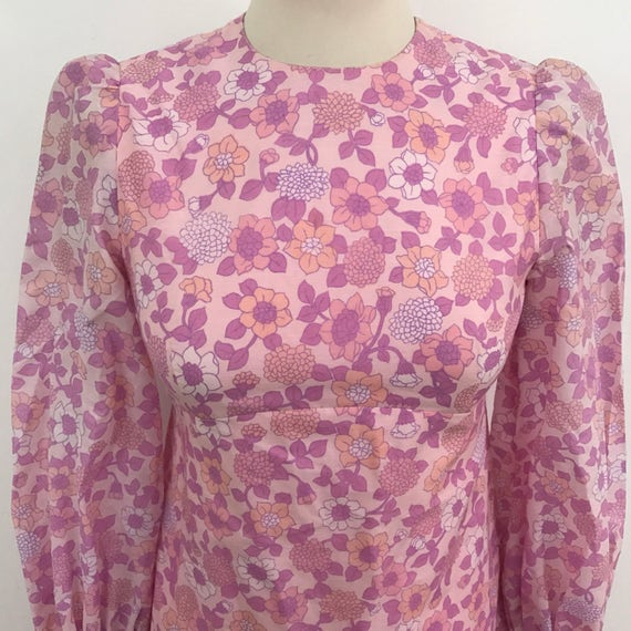 1970s maxi dress daisy print flower long floral 70s mod dress UK 6 8 US 2 4 pink summer festival handmade