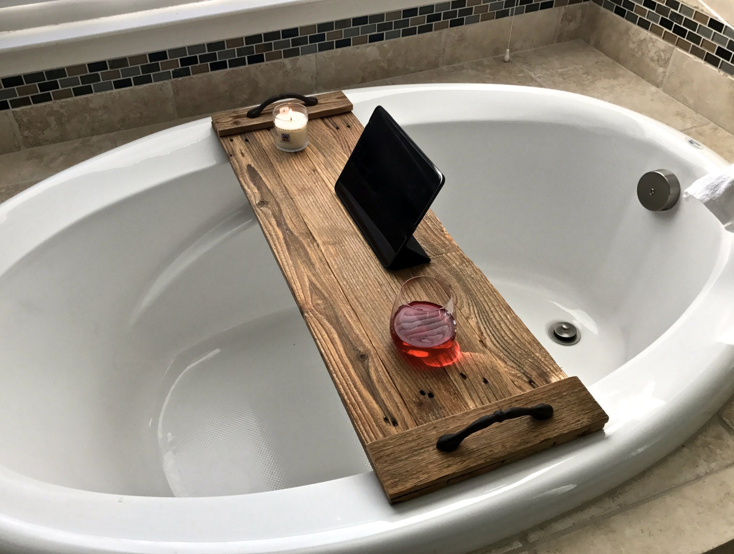 reclaimed wood bath tray rustic wood caddy with handles. Black Bedroom Furniture Sets. Home Design Ideas