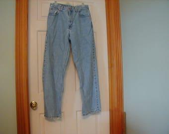 LOOK!! Perry Ellis loose fit size 32x32 vintage jeans.