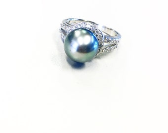 Tahitian pearl & CZ ring in a sterling silver setting