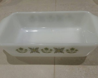On Sale Vintage Kitchen Anchor Hocking Suburbia Loaf Pan Meadow Green White Glass Oven Proof 1