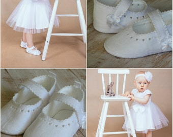 Baby shoes Baby ballet slippers Baptism shoes White baby shoes Handmade baby shoes Linen baby shoes Newborn shoes Christening shoes Newborn
