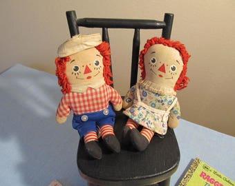 1970 Little Golden Books; Raggedy Ann and Andy Knickerbocker stuffed dolls