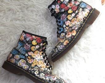 90s Floral Dr. Martens/ Sienna Miller Docs/ Grunge Leather Combat Boots/ Women's Size 10 US/ Size 8 UK
