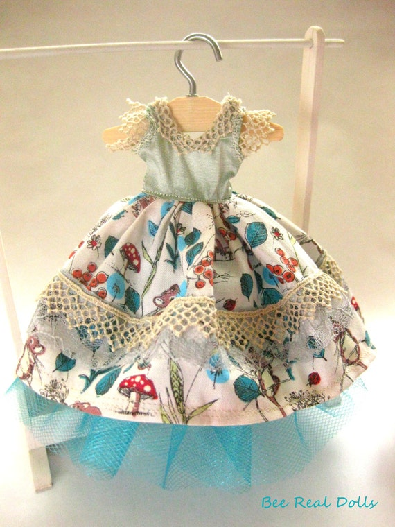 50's style dress with under skirt made to fit all fashion dolls, hand made, OOAK dolls clothing