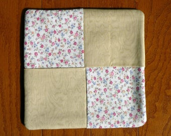 Pot Holder - Tiny Flowers