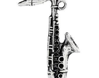 10 Charm Pendants - Saxophone  - Antique Silver Tone - Musical Charm - Musical Instrument