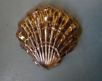 Copper kitchen mold - scallop shell