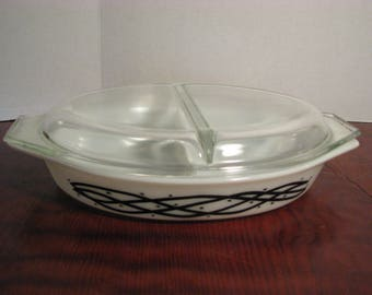 """Vintage Pyrex """"Barbed Wire"""" Divided Casserole Dish"""