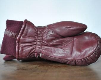Vintage LEATHER WINTER gloves ..........
