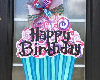 Happy Birthday Cupcake Door Hanger, Birthday Door Hanger, Cupcake Door Hanger, Wood Door Sign, Birthday Sign, Cupcake Sign, Customizable Age