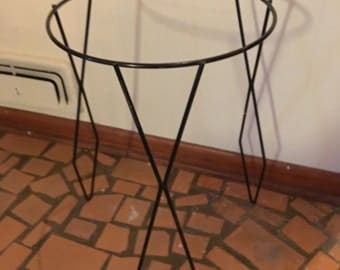 Black Metal Mid Century Plant Stand - Rare Diamond Design