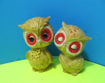 Rare Vintage Resin Plastic Owls Birds Salt & Pepper Shakers Japan Animals #499