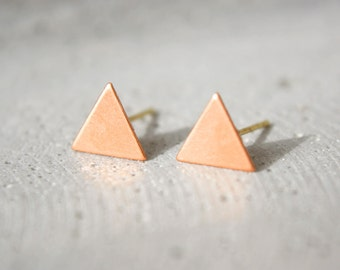 Copper triangle earrings D11