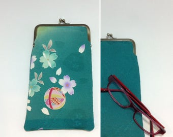 Green Eye glass case/ Smartphone case /Vintage Japanese Kimono fabric case /Sun glass case / Hand-made/10