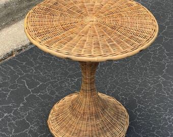 Vintage wicker Sarrinen style tulip table