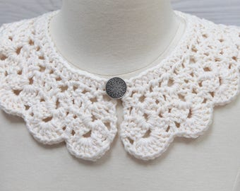 White Crocheted Necklace with Single Button Closure; Bridal Scalloped Collar; Handmade Accessory; Ready to Ship