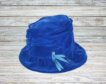 Womens Vintage Royal Blue Velvet Cloche Hat Union Made in the USA Millinery Blue Hat Velvet Hat Blue Cloche Retro Hat Vintage Accessories