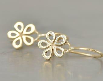 Simple Gold Flower Earrings , Dainty 14k Gold Flower Earrings , Gold Hanging Flower Earrings , Dangle Solid Gold Earring