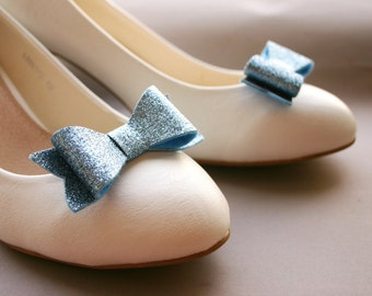 Serenity! Sparkling bow shoe clips in soft blue, wedding, bridal shoeclips, bows, glitter, glittery, something blue, sparkles, bows