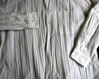 """ISSEY MIYAKE MENS signature """"accordian pleated"""" white polyester shirt..medium..chest 50"""" made in japan"""