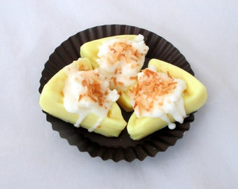Coconut cream pie, dessert candle, bakery tarts, pie tarts, wax pie, wax melter, pie slice, food candle, candle melter, unique candle