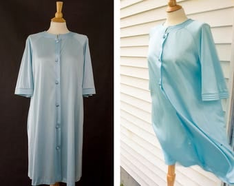 Vintage Vanity Fair Robe, Blue Nightgown Cover Up, Quarter Length Sleeves, 70s House Coat, Nylon Nightgown, Mid Century House Coat, Small