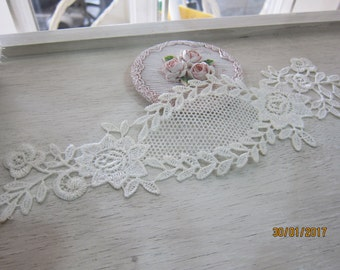 1 piece Off White Large  Applique/NA84- Unique Flower Applique/