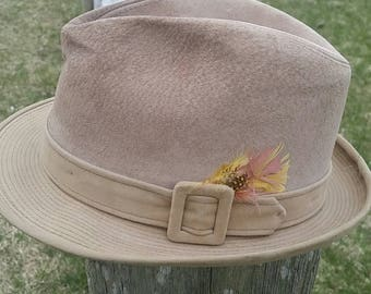 20% OFF Vtg DOBBS Fedora Tan Suede Feathers 5th Ave