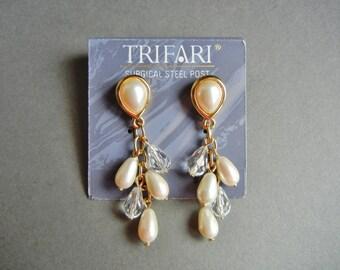 Trifari pearl dangle earrings, Trifari dangle earrings, Trifari glass crystal dangle earrings, Trifari pierced earrings, Trifari crystal