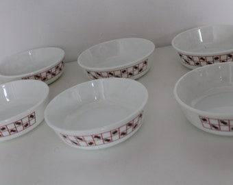 Set of 8 Pyrex Breakfast Bowls Dishes 80s pattern Red White Green