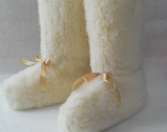 Sheep wool slippers boots  Kids/Woman slippers Family look Fur boots Warm slippers Indoor boots Size EU 36-41