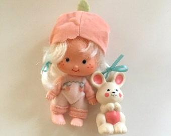Apricot with Hopsolat Baby Strawberry Shortcake Doll 1979 American Greetings
