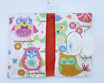 Handbag wipes and diapers