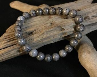 Metalic grey glass bracelet