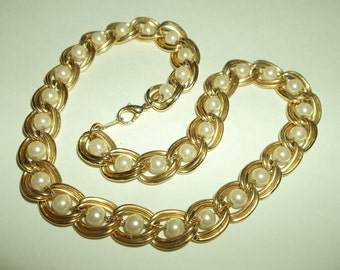 Vintage Caged Pearl Gold tone Chain