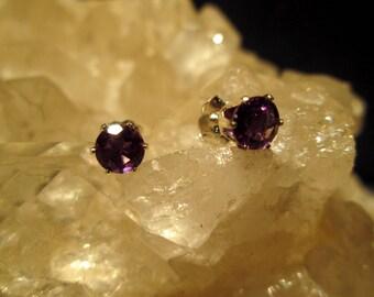 Amethyst Post Earrings ~Sterling Silver~ Nice deep Purple Gems 5mm