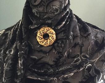 "Vintage Jewelry Brooch/Circle Wreath Brooch/Pin/Gold Tone With Rhinstones/2"" Diameter"