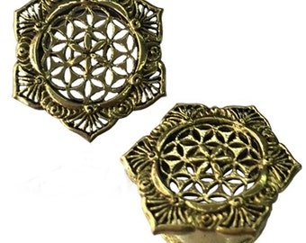 Brass tunnel curlicue golden flower of life in Lotus Flower plug (part No. MPT-75)
