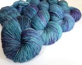 Hand dyed Sparkly sock/fingering weight, superwash Merino wool/nylon/bronze Stellina - OOAK 'Leviathan Woken' kettle dyed - Vesta Sock yarn