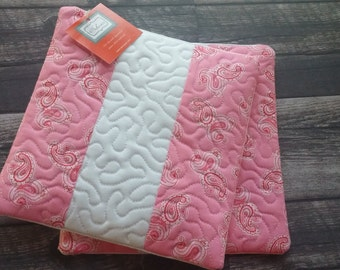 Quilted Hot Pads - Set of 2!  Pink and white trivet, hot pad, kitchen decor, tableware, table linen