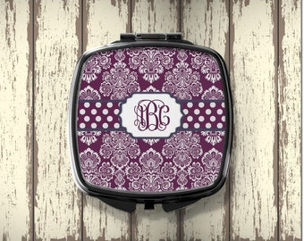 Personalized Compact Mirror  - Perfect Mother's Gift or Bridesmaid Gift - Monogrammed Gift