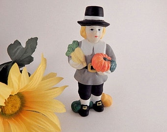 Pilgrim Man Thanksgiving Figurine Vintage 1980's Porcelain by Brinns Fall Home Decor
