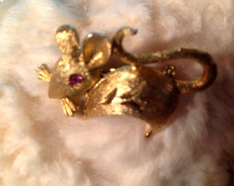 Adorable Mamselle Signed Vintage Mouse Pin with Pink Crystal Eye