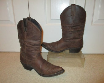 Vintage distressed leather Dingo western boots size 7-7 1/2