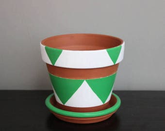 Green and White Triangles Plant Pot