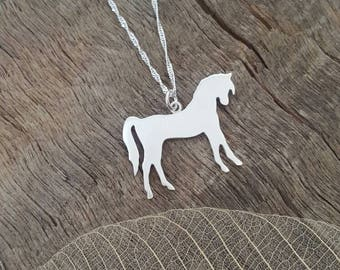 Horse pendant in sterling silver