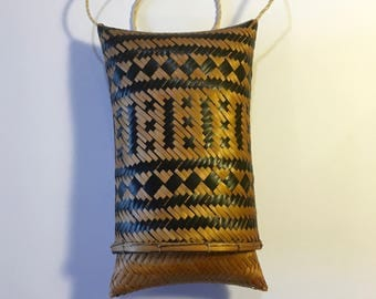African Craft – Woven Straw in Natural and Black- Handmade Small Bag Pouch