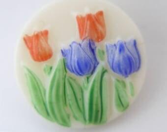 Vintage Flower Tulip White Glass Button